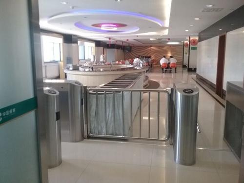吉林烟草公司总部以及分部食堂通道翼闸系统